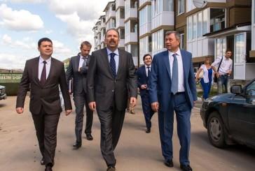 Михаил Мень и Анатолий Артамонов обсудили  перспективы развития  рынка арендного жилья