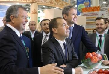 Дмитрий Медведев отметил успехи калужских аграриев  в роботизации молочного животноводства