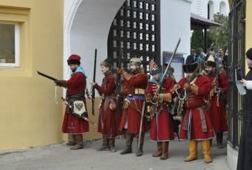 4 ноября у стен Свято-Пафнутьева Боровского монастыря в рамках фестиваля «Оплот веры» прошла историческая реконструкция штурма крепости