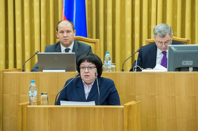 Губернатор потребовал  усилить в области контроль  за работой социальных  учреждений для инвалидов  и пожилых людей
