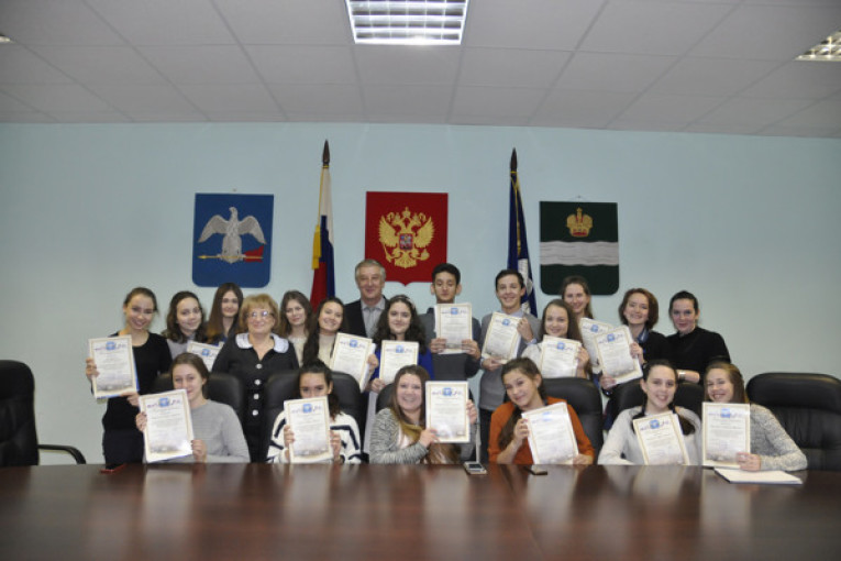 Волонтеры получили благодарственные письма