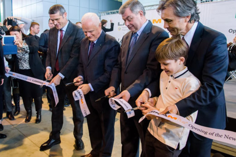 В Калужской области открыто первое в России производство особо тонкой широкоформатной листовой керамики