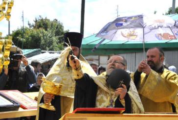 Освящение крестов в Комлево