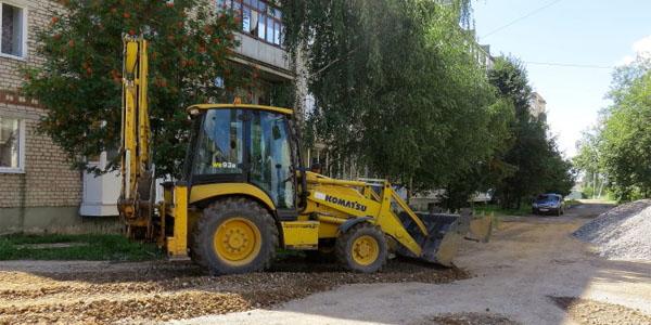 Кировские дворы начали делать комфортнее