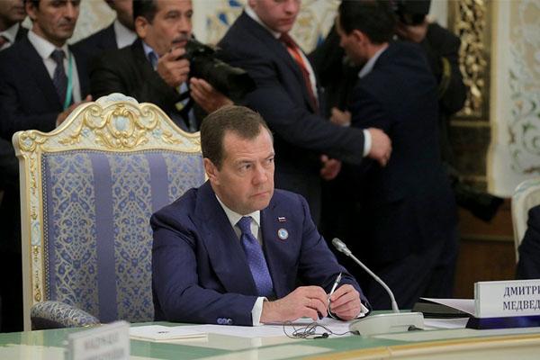 Медведев: Переход на «цифру» должен пройти максимально гладко