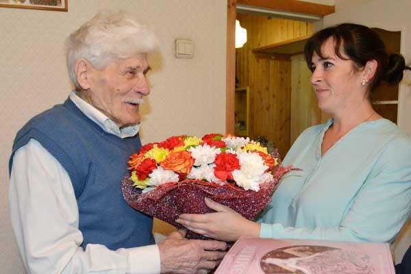 Почётный гражданин города Балабаново, участник Великой Отечественной войны Анатолий Денисович Масалов отметил вчера свое 96-летие