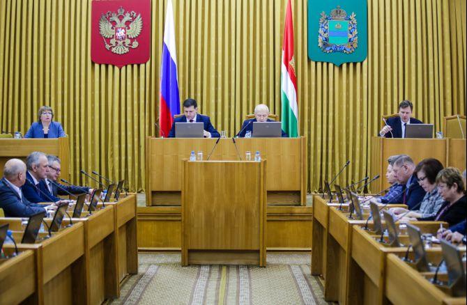 Депутаты предложат Госдуме дополнить перечень требований к такси