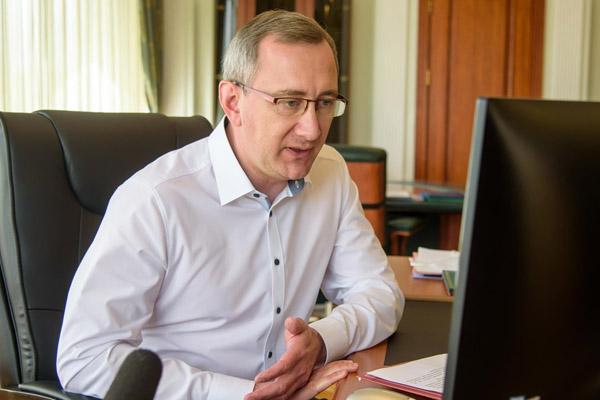 Владислав Шапша: «Нельзя упустить ни одной возможности для того, чтобы проинформировать бизнес об имеющихся мерах поддержки»